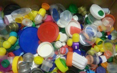 Zbiranje plastičnih pokrovčkov